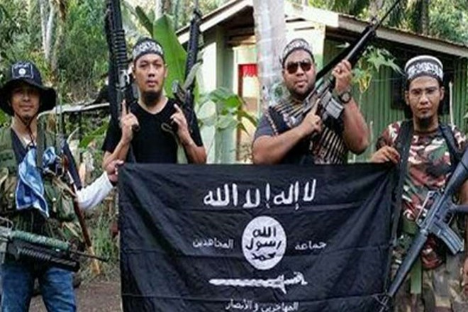 Philippines says 11 Islamic State sympathizers killed in southern siege