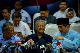 Wise decision by Dr M to continue talking to Pas even after March 17 deadline, says Azmin