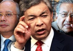 Zahid tells Mahathir to watch his mouth and actions
