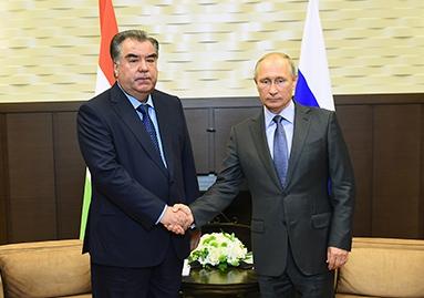 Presidents Putin, Rahmon hold talks in Moscow
