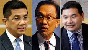 Look in the mirror, Azmin tells Anwar: – I will not respond to Azmin's outbursts, says Anwar