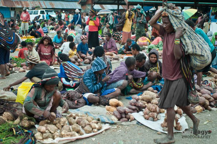 Map inside: Indonesia says over 11,500 have fled violence-hit Papuan town