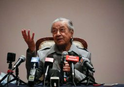 Dr. M  promises 'very big trouble' for Malaysia's ruling coalition